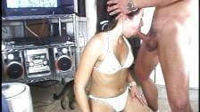 ama de casa peruana haciendo sexo oral