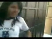 Peruana Del colegio Mostrando su Hilo de sus tangas provocando