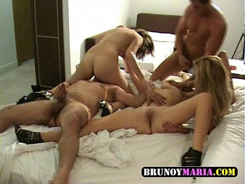 Yo Maria de BrunoyMaria Monte esta Orgia con estos AMIGOS Y AMIGAS en un HOTEL